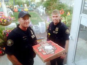 us_police_pizza