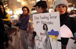 usa_protest_netrebko