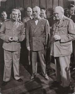 Сталин, Труман и Черчилль во время Потсдамской конференции. 25 июля 1945 г.