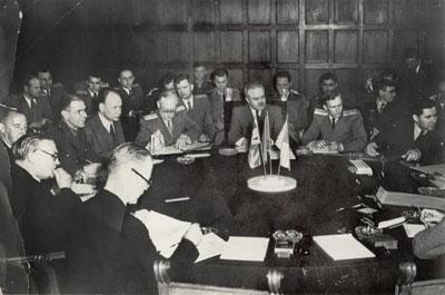 Во время заседания совета министров иностранных дел Великобритании, СССР, Китая, Франции и США. Июль 1945 г.