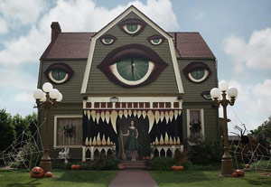weird_us_haunted_house