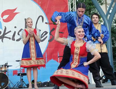 Талант и мастерство танцевального ансамбля «Узоры» поразили гостей фестиваля.